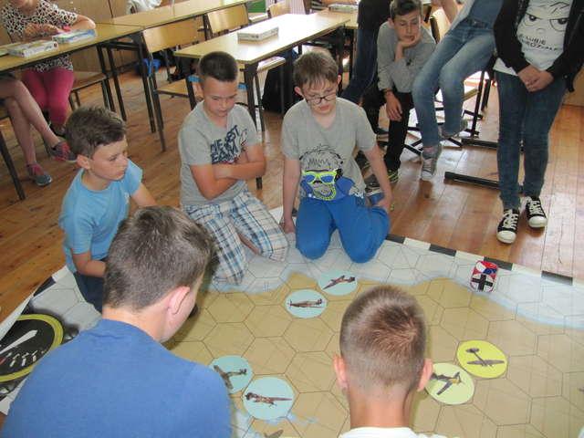Podczas zajęć w szkole w Zajączkowie