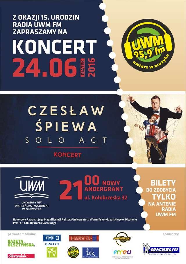 Czesław Śpiewa Solo Act na urodzinach Radia UWM FM  - full image