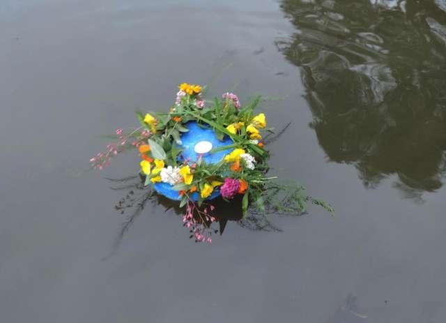 Poezja nad jeziorem - full image