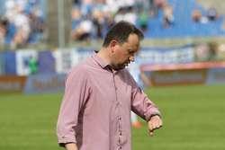 Trener Adam Łopatko będzie się przyglądał dyspozycji kilku kandydatów do gry w zespole