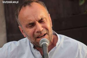 Jarosław Chojnacki zagrał i zaśpiewał na ulicy