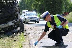 Wypadek pod Barczewem. Kierowca srebrnego samochodu sam zgłosił się do prokuratury