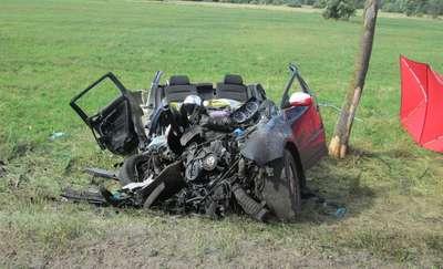 Śmiertelny wypadek pod Olsztynkiem. Kierowca volkswagena zginął na miejscu
