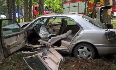 Dachował mercedesem na DK 53 pod Trękuskiem. Zmarł w szpitalu