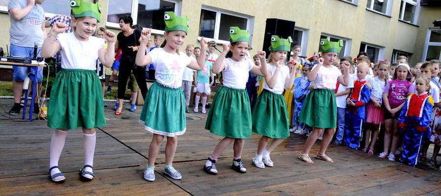 Uczniowie z podstawówki starannie przygotowali się do występu