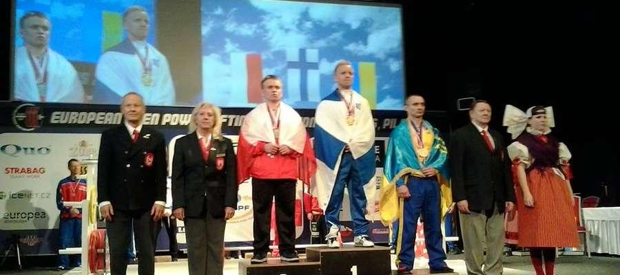 Mariusz Grotkowski na II stopniu podium