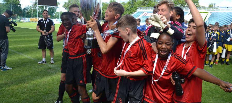 Piłkarze West Bromwich Albion z Ostródy wyjechali w podwójnej koronie