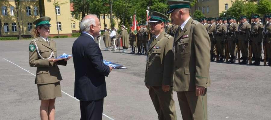 Uroczyste przekazanie flagi miasta nastąpiło podczas obchodów 25-lecia Straży Granicznej.