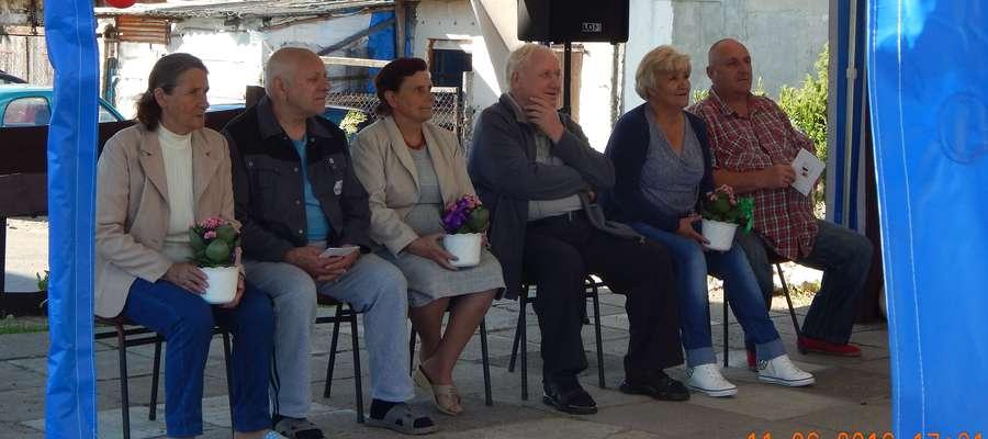 Na zdjęciu od lewej pary obchodzące rocznice ślubu: Hanna i Stanisław Iwanowicz (50 lat), Irena i Zdzisław Nowiccy (40 lat), Janina i Waldemar Przygoda (30 lat)