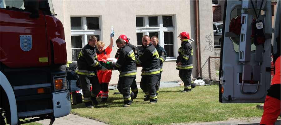 Akcja ratunkowa na ul. Konarskiego w Giżycku