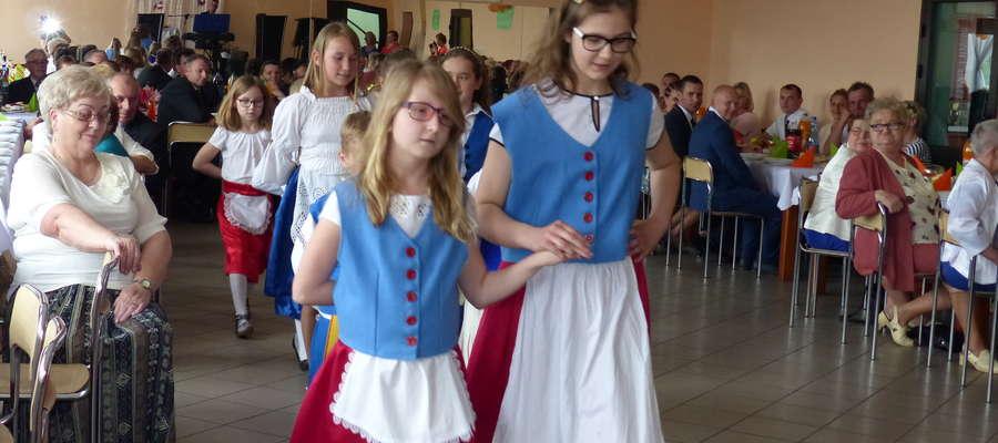 Występ małych mieszkańców Chrośla