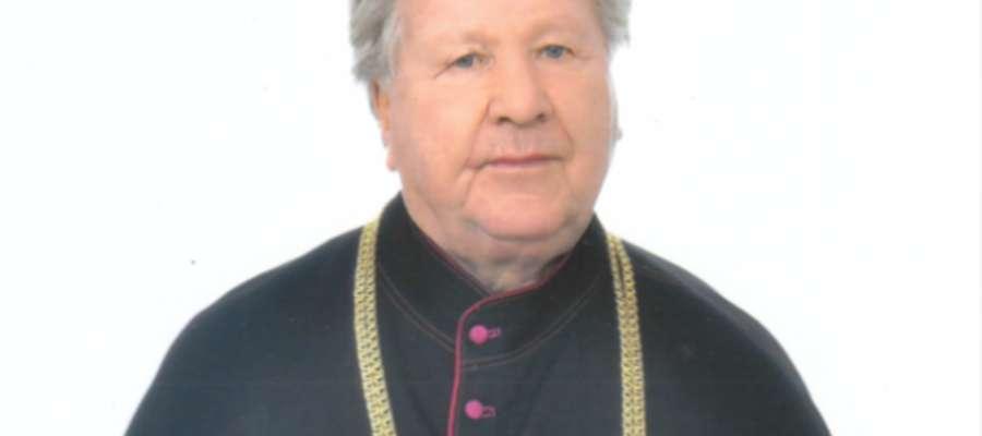 fot. Archiwum prywatne  Od 1 lipca 2014 roku ks. kan. Tadeusz Rudziński zgodnie z dekretem biskupa przeszedł na emeryturę i pozostał w Pierzchałach jako rezydent