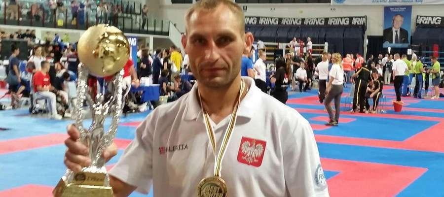 Wojtek Wiśniewski z Pucharem Świata