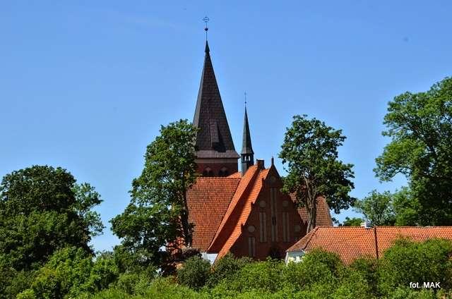 Żegoty: kościół p.w. Jana Laterańskiego - full image
