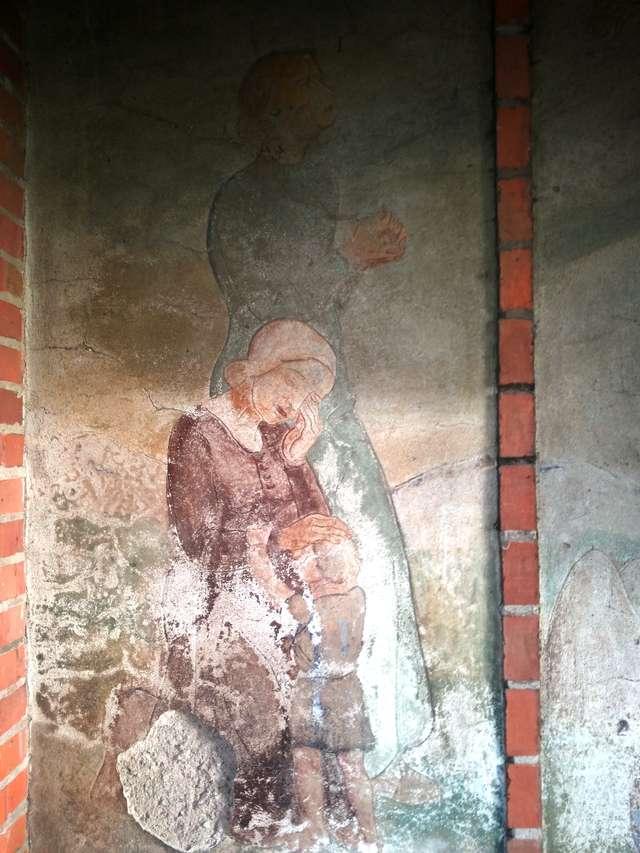 Kwiecewo: malowidło ku czi poległych i stary cmentarz - full image