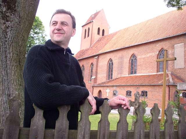 Ksiądz z Butryn napisał książkę o dawnych Prusach  - full image