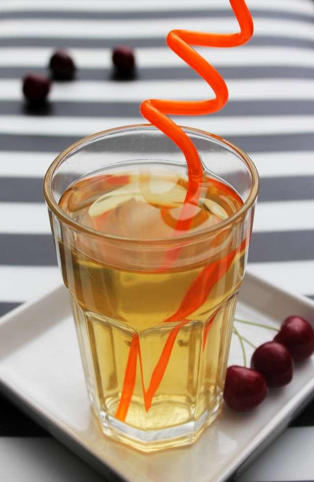 Zamiast kawy pij sok z guarany - full image