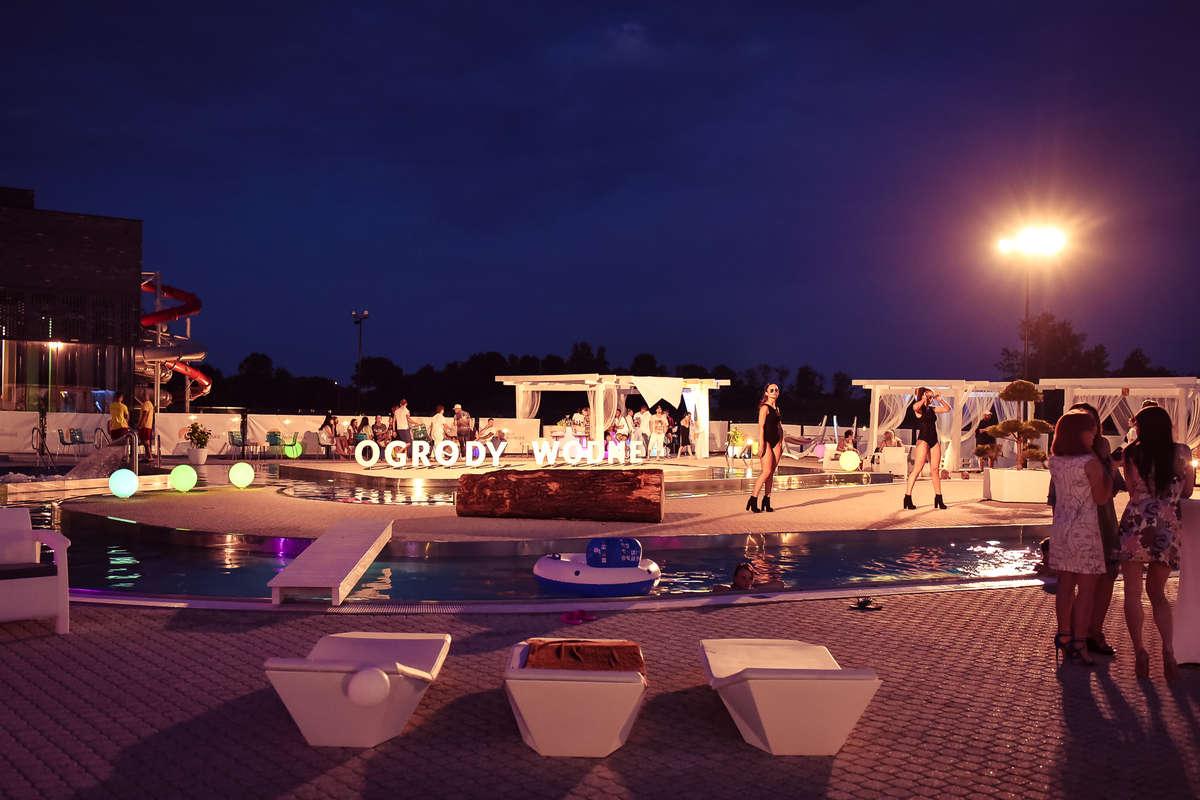 Imprezowe plażowanie - full image
