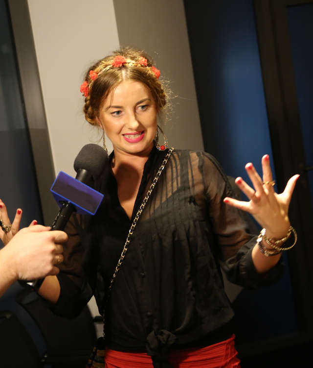 Sara Szymczak chce zatrzymać maj! Zobacz teledysk - full image