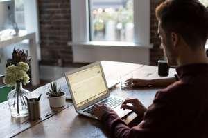 Masz siedzący tryb pracy? Ruszaj się godzinę dziennie!