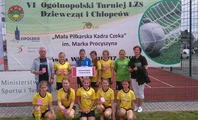 Dziewczęta z Janowca Kościelnego XI w Polsce