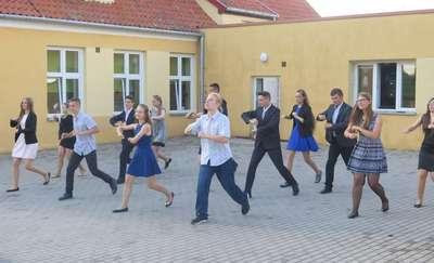 Niech żyje bal... w gimnazjum w Kijewie