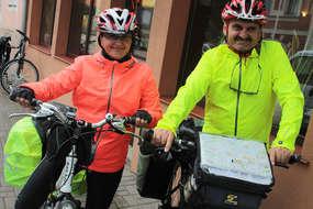 Urszula i Tadeusz Wojciechowscy z Głubczyc przemierzają rowerami Warmię i Mazury.