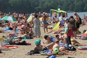 Uwaga sinice: które plaże są bezpieczne na Warmii i Mazurach?