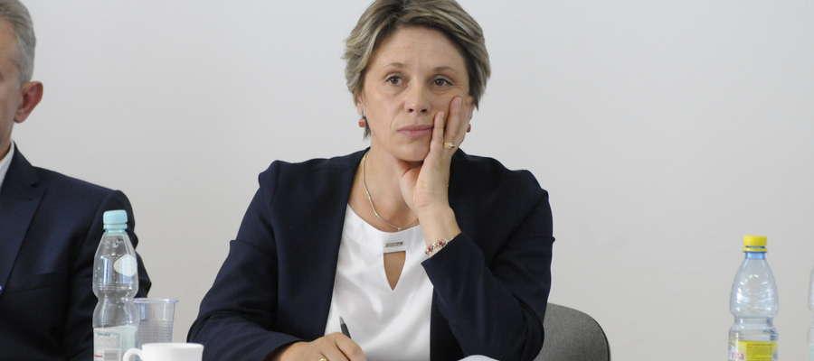 Burmistrz Aneta Goliat w trakcie głosowania. Sytuacja niezwykle napięta