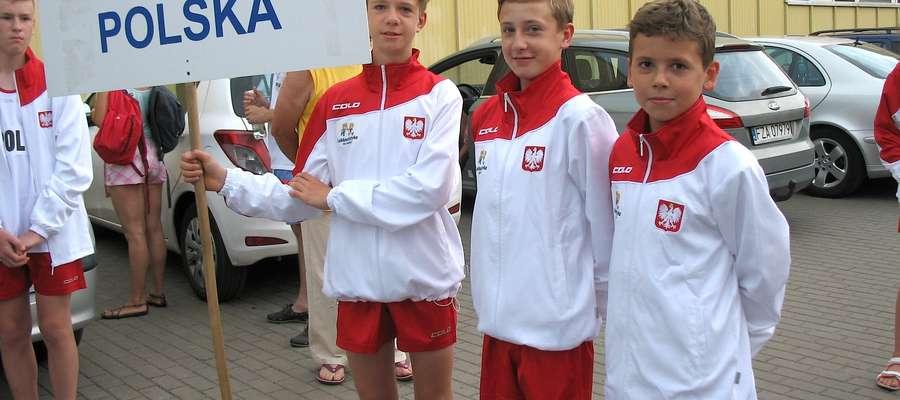 Mateusz (pierwszy z prawej) godnie reprezentował polskie barwy narodowe w Łowiczu