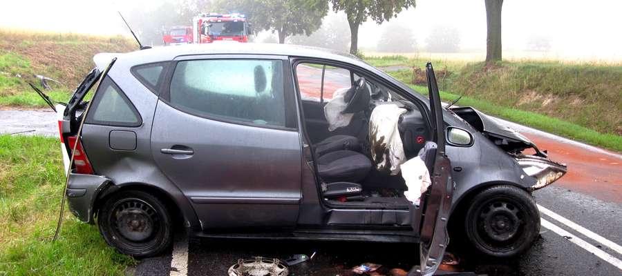 Mercedes po wypadku w Nielbarku