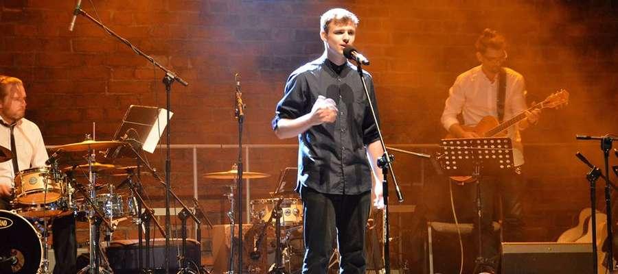 Młody wokalista czarował swym głosem w Olsztynie