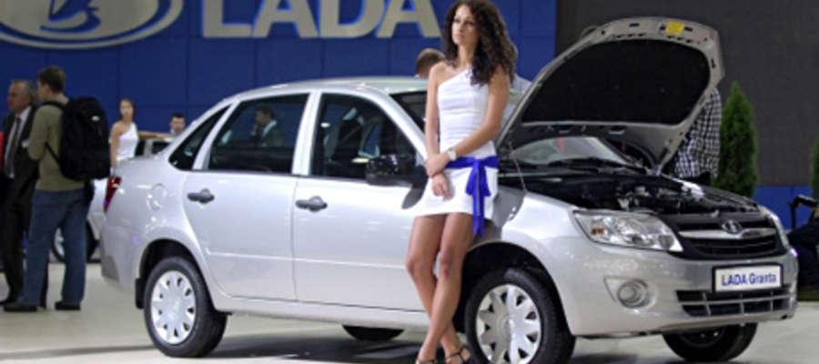 Bestsellerem sprzedaży w maju 2016 r. pozostawała Lada Granta, która wyprzedziła swoich najbliższych konkurentów koreańskich: Hyundai Solaris i Kia Rio