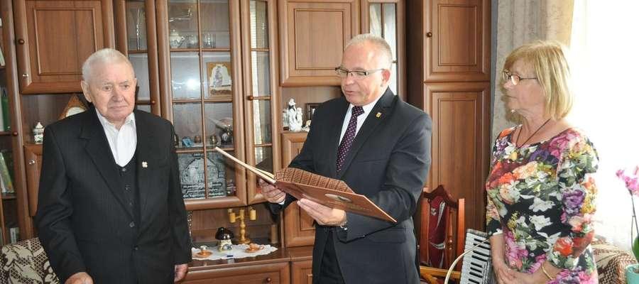Jubilat w towarzystwie Burmistrza