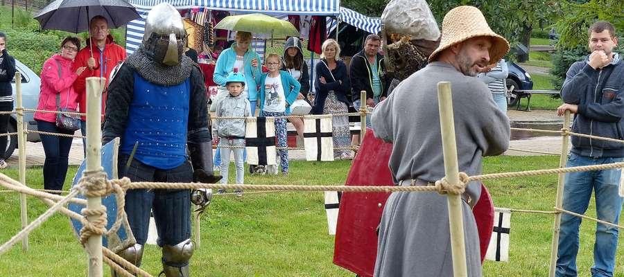 Bractwo Rycerskie Rota Zaciężna Strażnicy Sensburg z Mrągowa podczas Festynu Średniowiecznego GOTHICUM