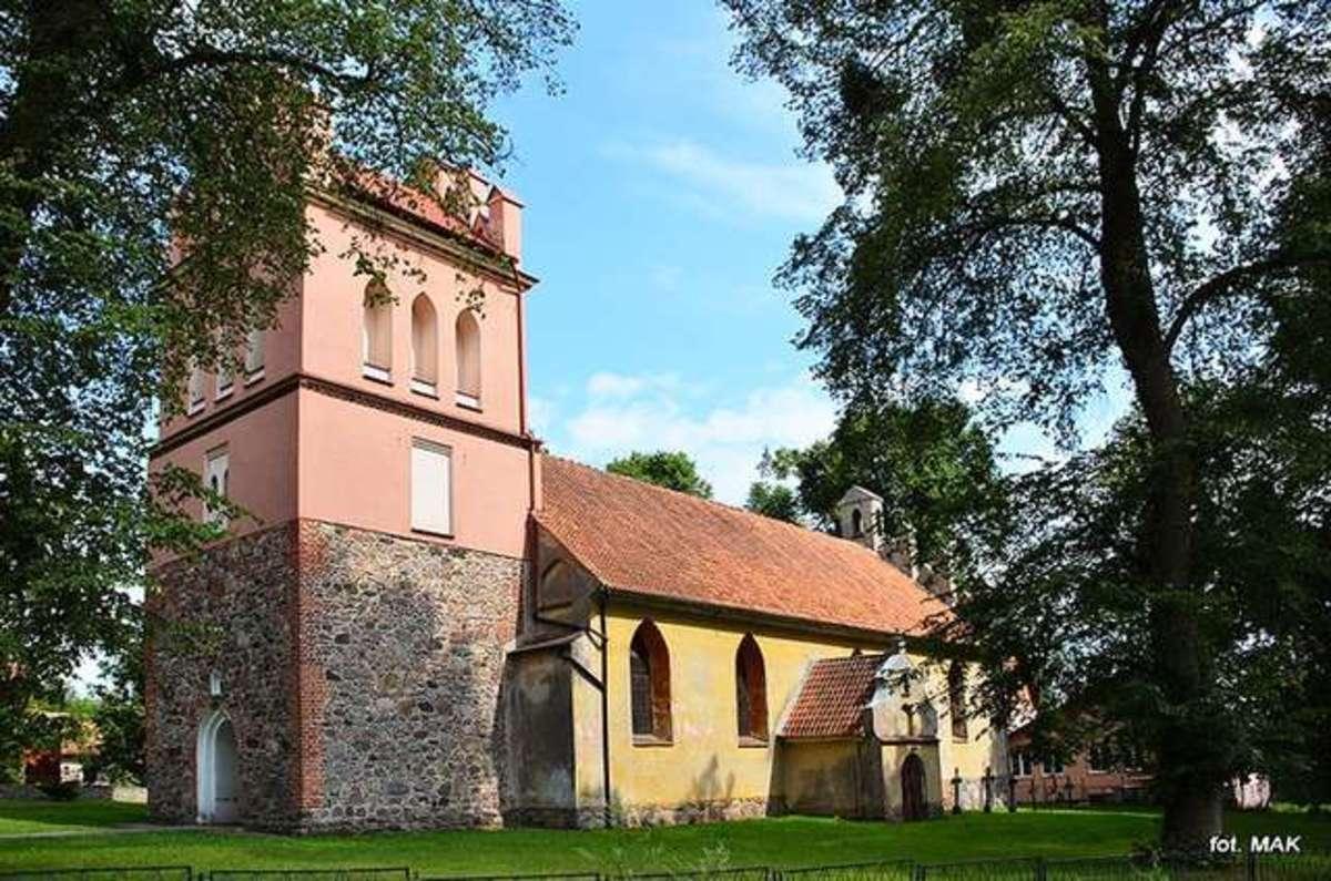 Runowo: Kościół parafialny p.w. Świętych Szymona i Judy Tadeusza - full image