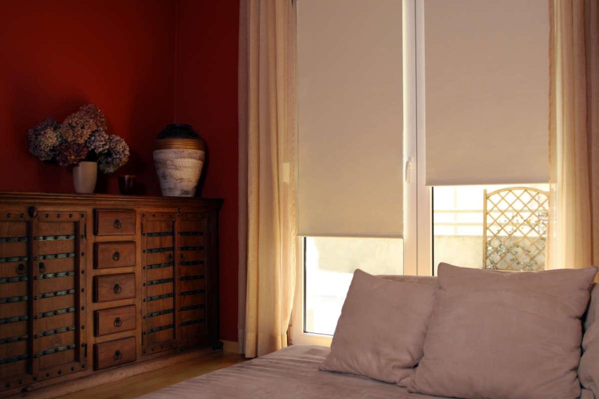Zrolowana przyjemność w pokoju - full image