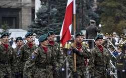 Polscy żołnierze na defiladzie w Kijowie