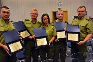 Minister wyróżnił funkcjonariuszy Straży Granicznej