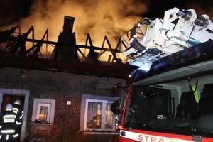 Pożar domu w Ławkach. Pogorzelcom potrzebna będzie pomoc