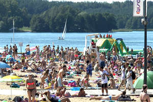 Weekendowe plażowanie nad Jeziorem Ukiel w Olsztynie [FILM]