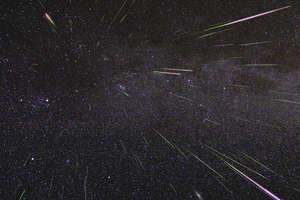 Noc spadających gwiazd. Sprawdź na mapie, gdzie najlepiej obejrzeć kosmiczny spektakl