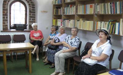 Seniorki w archiwum