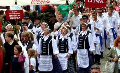 Korowód 22. Festiwalu Kultury Kresowej przeszedł ulicami miasta