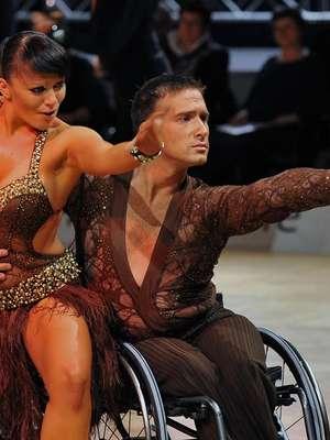 Wózek napędza go do zdobywania tytułów w tańcu towarzyskim