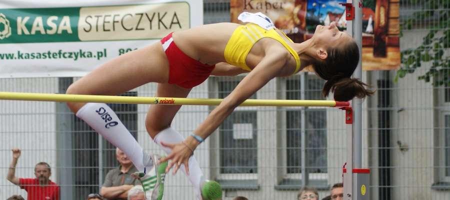 Kaper Cup 2013. Rywalizację pań wygrała wówczas Urszula Gardzielewska-Domel z wynikiem 1,83. Takich skoków długo w Iławie nie zobaczymy