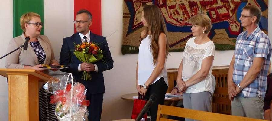 Emilia Ankiewicz gościem podczas sesji. Podziękowała za wsparcie i zostawiła prezent