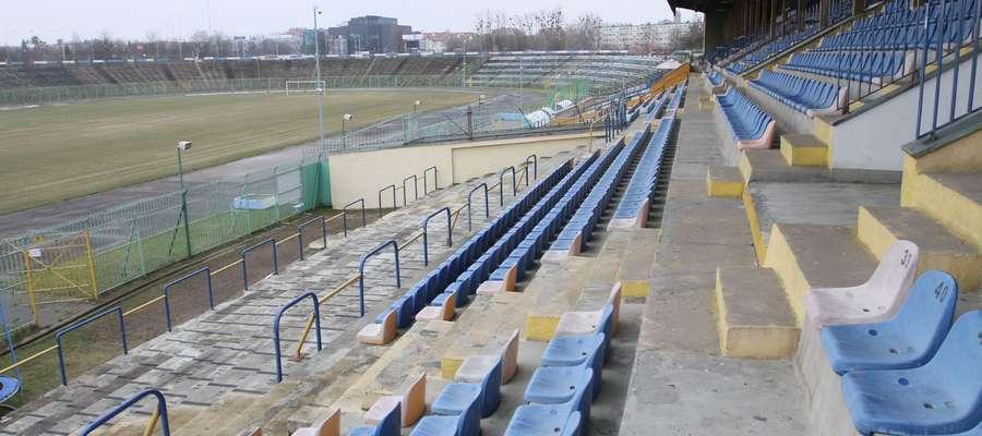 Do uzyskania licencji podobno brakuje Stomilowi tylko jednego dokumentu: decyzji o dopuszczeniu stadionu Ośrodka Sportu i Rekreacji do użytku