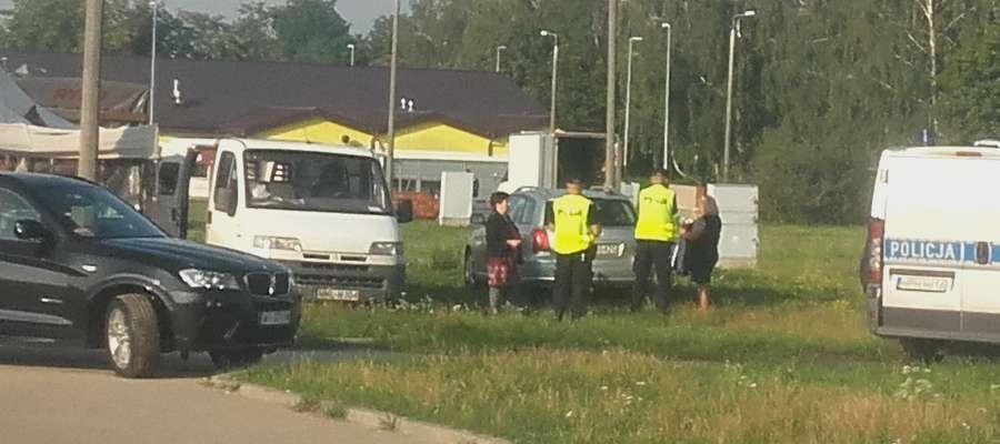 Jedna z akcji policji na targowisku w Żurominie