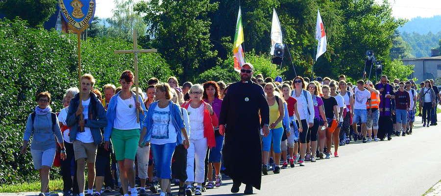 Wyjście pielgrzymki z Nowego Miasta Lubawskiego